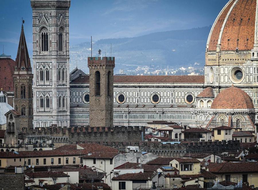 Prenota subito il tuo posto auto vicino a piazza Duomo a Firenze